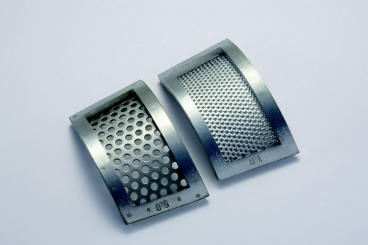 P-16_bottom sieve_trapezoidal and round perforation